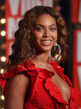 BEYONCE'S NIGHT AT MTV VMA '09 Th_95014_Beyonce_celebutopia_net_295_122_213lo