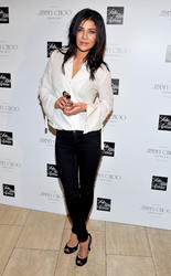 http://img228.imagevenue.com/loc387/th_03353_Jessica_Szohr_Jimmy_Choo_Fragrance_Launch_006_122_387lo.jpg
