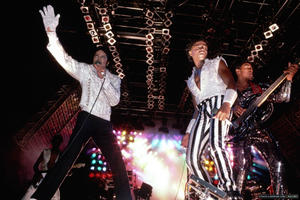 1984 VICTORY TOUR  Th_754039766_6884033556_67aafce37c_b_122_524lo