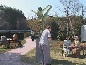 Weird-japanese-Statue-fuck